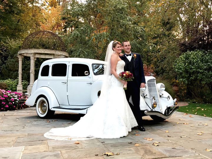 Tmx 1529419392 290e98c08522e03e 1529419391 89fa1e752f70ace7 1529419390386 1 1200x1200 14771807 Lakeland, FL wedding transportation