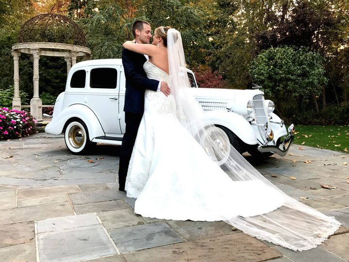 Tmx 1529419392 2ca4d3ed65ee84cb 1529419391 F629f4d1ff41167f 1529419390389 2 34 Lakeland, FL wedding transportation