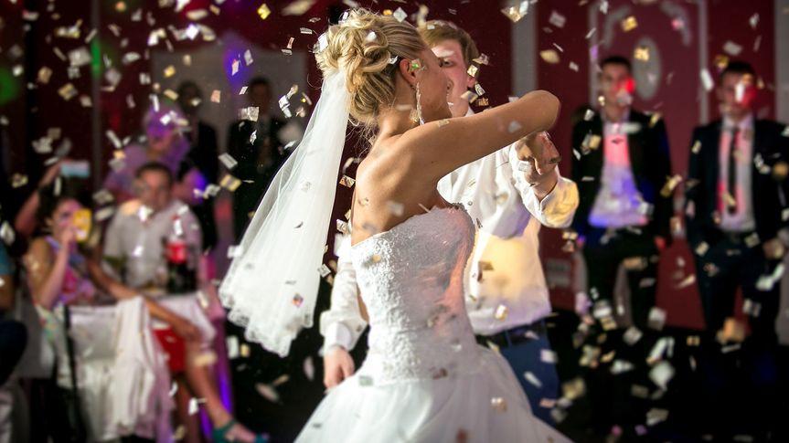 859f6db96ff5634b 1505410928021 bride back