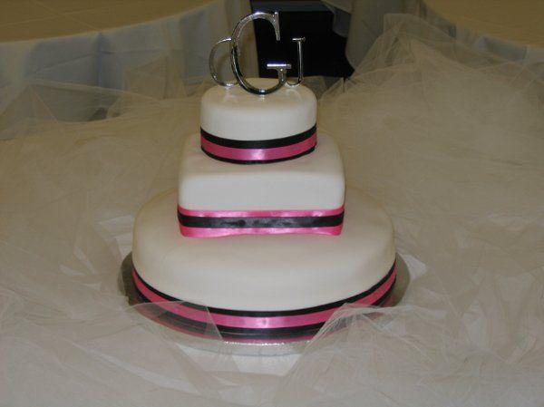 Tmx 1226382793215 Ginacola2008 Rolla wedding cake