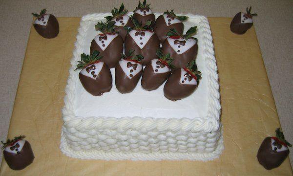 Tmx 1226383161121 Basketweavewithtuxedostrawberries Rolla wedding cake