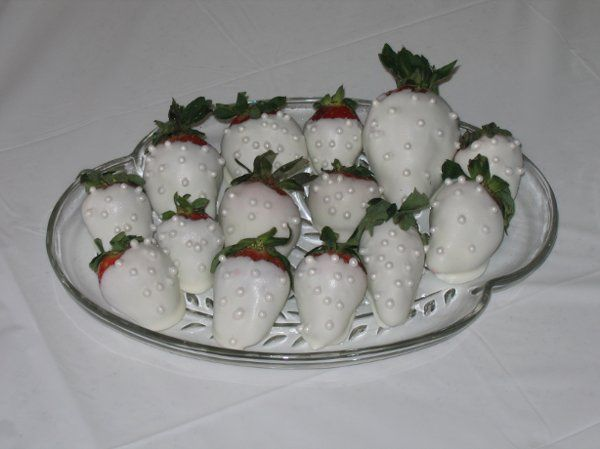 Tmx 1269284589974 BrideStrawberries Rolla wedding cake