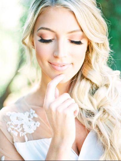 Glowy makeup with a boho braid