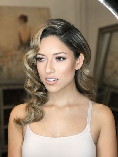 Glamour waves with natural MU