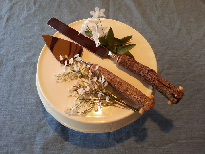 Handmade, Rustic, Twig Handle, Heirloom quality Wedding Cake Serving Set (2 pcs).