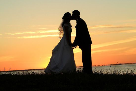 Sunset kiss silhouette