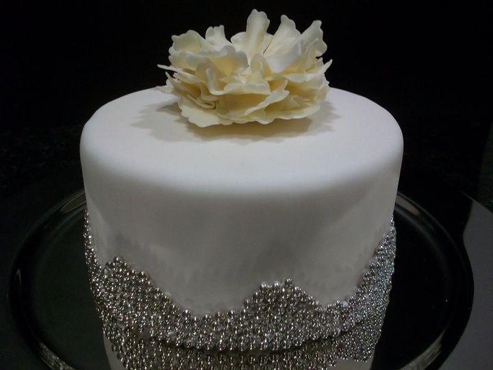 linacucina wedding cake raleigh nc weddingwire. Black Bedroom Furniture Sets. Home Design Ideas