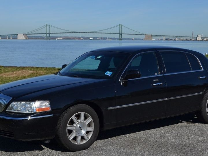 Tmx Riverfront Town Car Outside 51 33175 1567434532 Woodbury, NJ wedding transportation