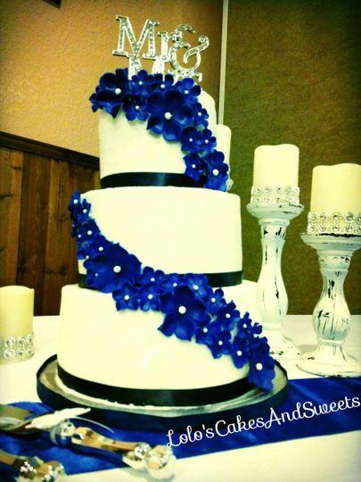 Lolo\'s Cakes & Sweets - Wedding Cake - Crestview, FL - WeddingWire