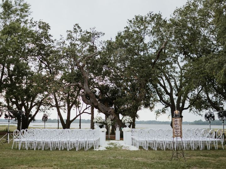 Tmx Lowndes Grove Charleston Sc Wedding Portrait Photography 18 51 1075175 1562001656 North Charleston, SC wedding rental