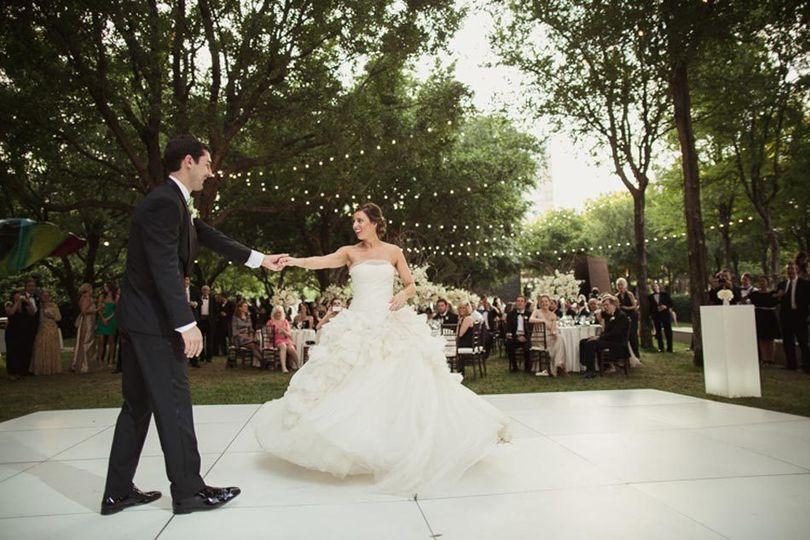 f4d7ca71d762d663 2015 garden wedding reception richards dancing