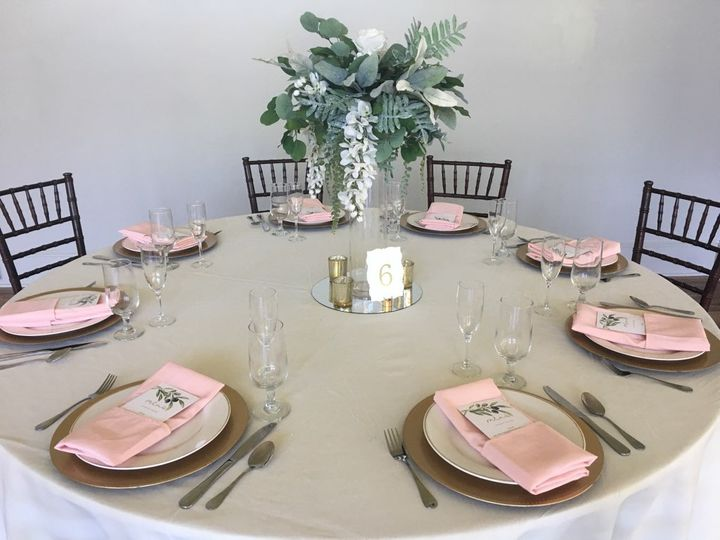 Blush table decor
