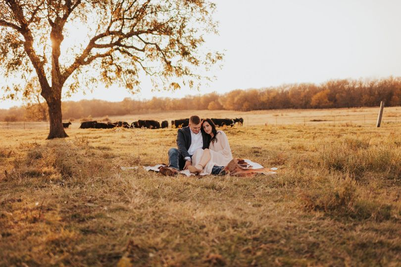 Engagement Picture in Pasture