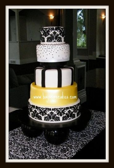 yellowdamaskweddingcake