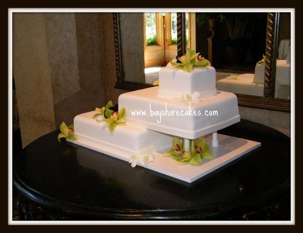 Tmx 1296609799061 Overhangweddingcake Sandy wedding cake