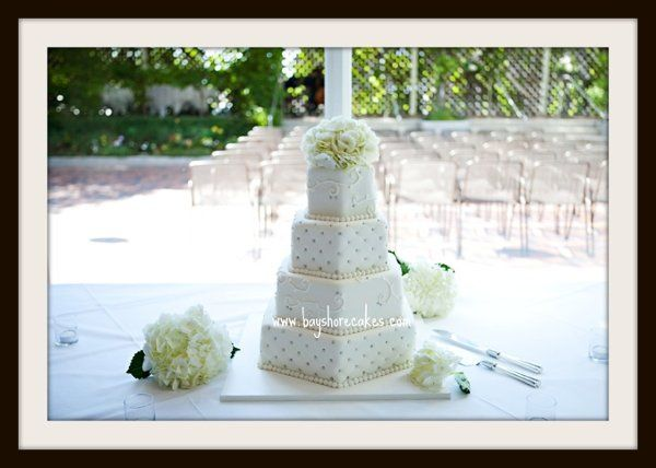 Tmx 1296609820264 Whitehexagon Sandy wedding cake
