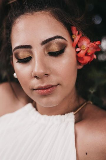 Eyeshadow and brow work
