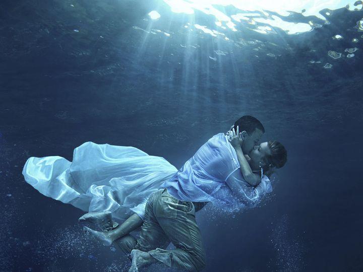 Tmx 1527013694 D36751935baf3025 1527013692 Fe038ec7c405fae6 1527013691066 13 Under Water Miami, FL wedding photography