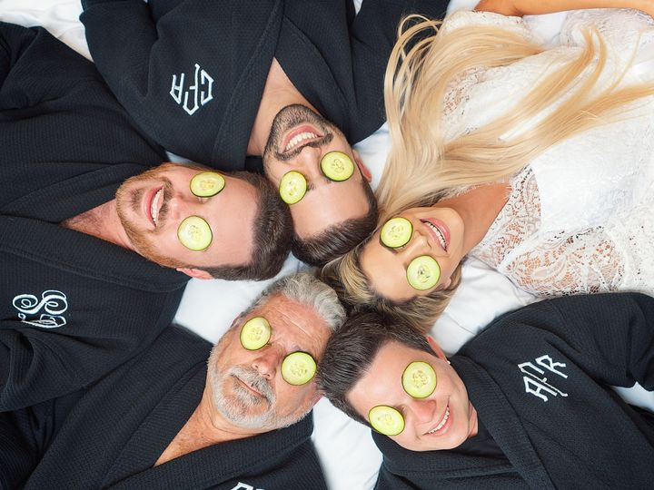 Tmx Fun Wedding Photo Ideas South Florida 2 51 963275 158629748542827 Miami, FL wedding photography