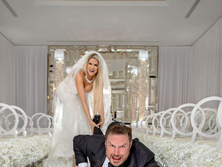 Tmx Fun Wedding Photo Poses For Couples 51 963275 158629748531880 Miami, FL wedding photography