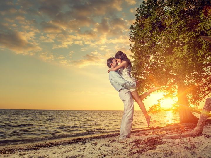 Tmx Sunset Engagement Photos Miami Fl 51 963275 158629748790400 Miami, FL wedding photography