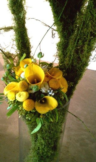 brides bouquet yellow with textures sm