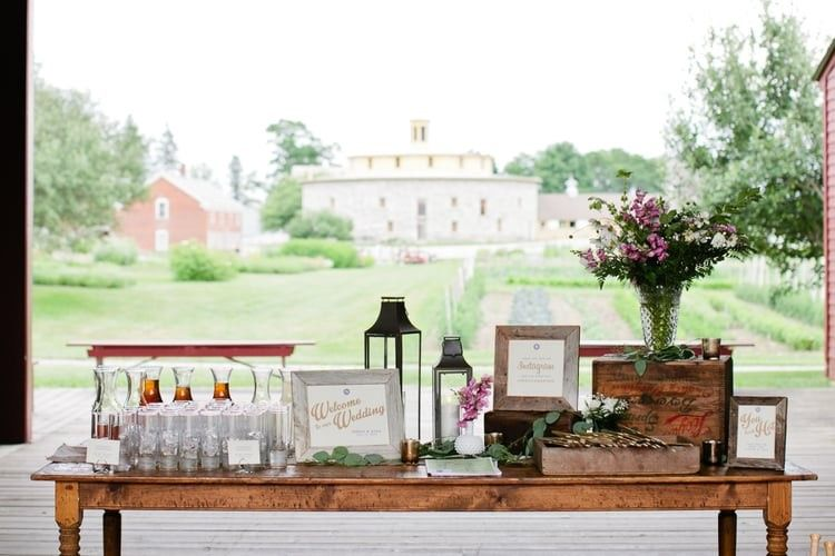 Entrance table for reception