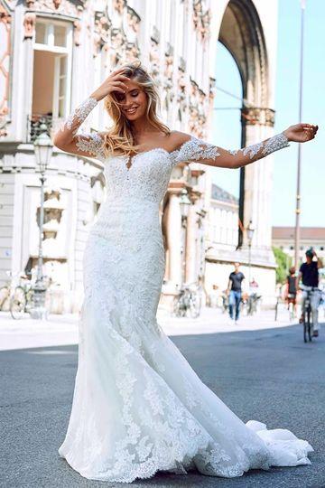 Lace dress