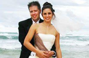 29875d006719659a 1391795550420 wedding article thum