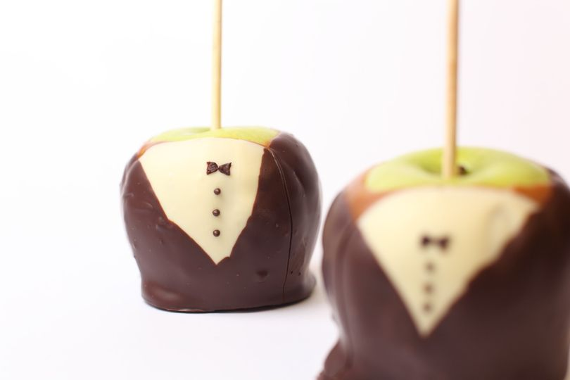 Tuxedo caramel apples for a very special client.