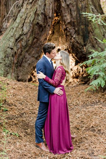Kiss by a tree