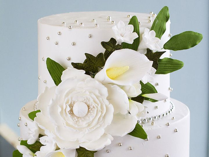 Tmx 1519153718 113e33e4991c6f8a 1519153717 E34196d4a2ccc71f 1519153710534 14 Cala Lillies Winston Salem wedding cake