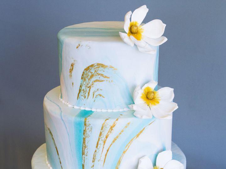 Tmx 1519153720 0d13c126d0409f06 1519153716 5dc50195a569e3a5 1519153710532 13 Blue And Gold Wat Winston Salem wedding cake