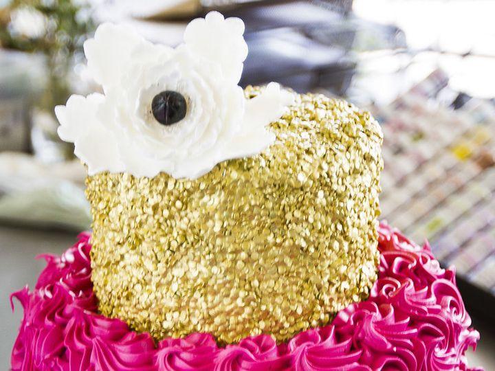 Tmx 1519153720 8f8ded5511f9acf3 1519153719 B0f63c974d01f903 1519153710539 18 IMG 1236 Winston Salem wedding cake