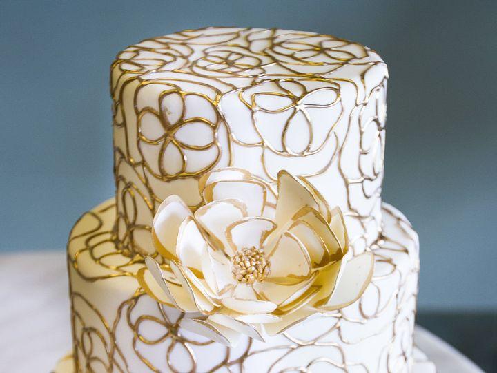 Tmx 1519153720 D354d8bec665f6b2 1519153717 F146b6dd05a85d61 1519153710535 15 Gold And Cream Fl Winston Salem wedding cake