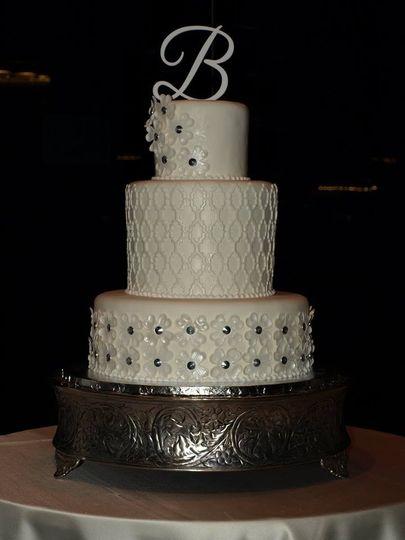 B cake topper