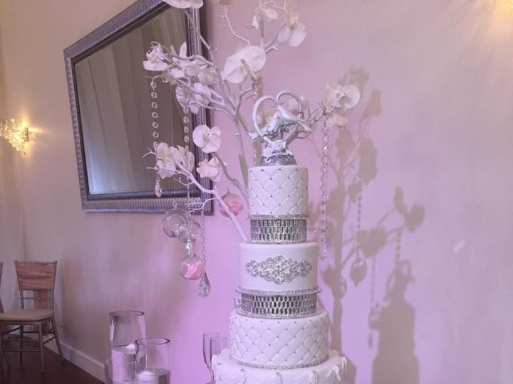 Tmx 22221828 1482065221879638 173373811038878483 N 51 444375 Sanford, Florida wedding cake