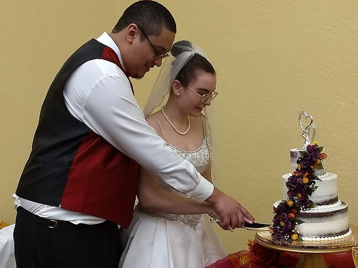 Tmx 45114112 2114728861903500 618588694940483584 N 51 444375 Sanford, Florida wedding cake