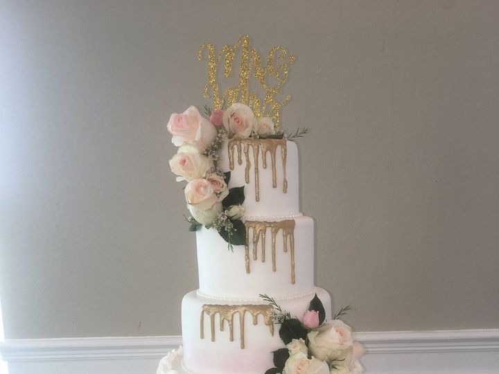 Tmx 47580013 1845675025531490 1100841538629402624 N 51 444375 Sanford, Florida wedding cake