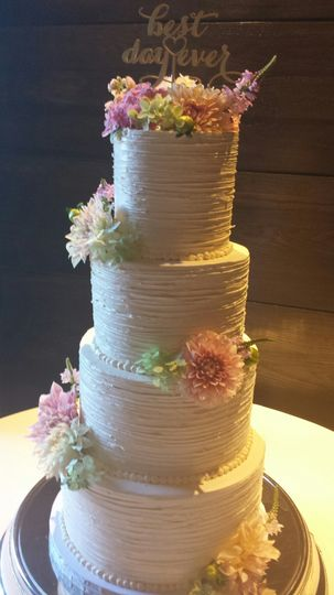 Short North Piece of Cake Wedding Cake Columbus OH WeddingWire