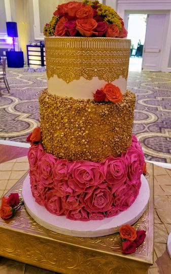 Pink base cake with gold