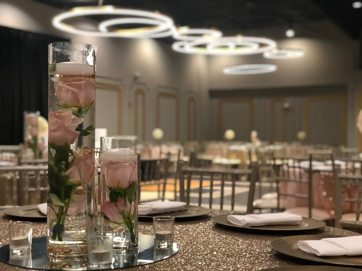 Floating floral centerpieces