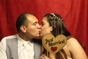 Fromage Photo Booth Rentals