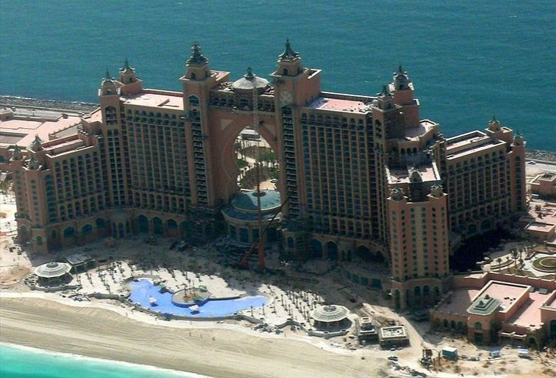 Atlantis_The_Palm_Hotel is a great place to have a wedding and honeymoon