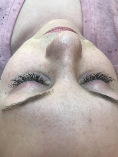 Full set of lash extensions