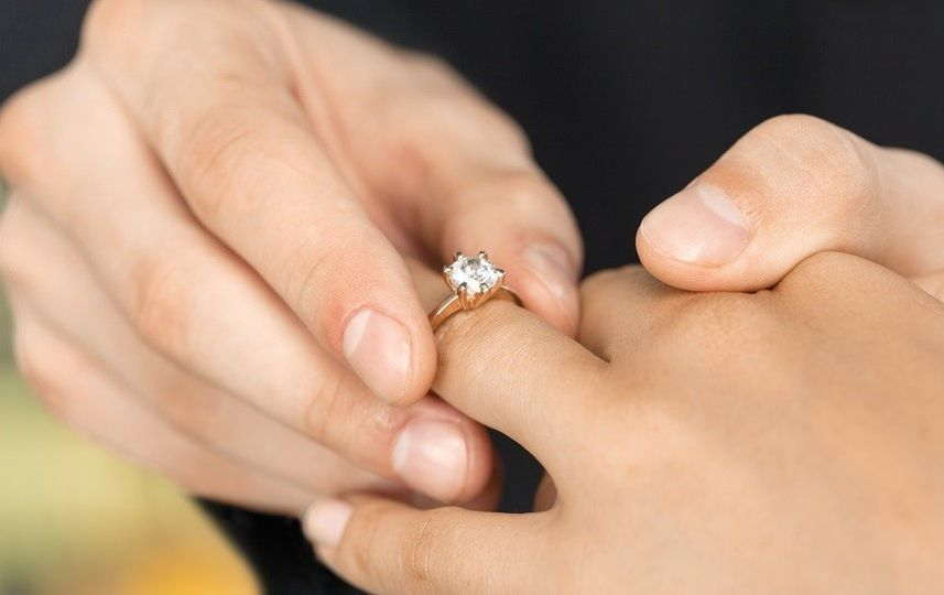 engagement ring 4 51 1903475 157860046172487
