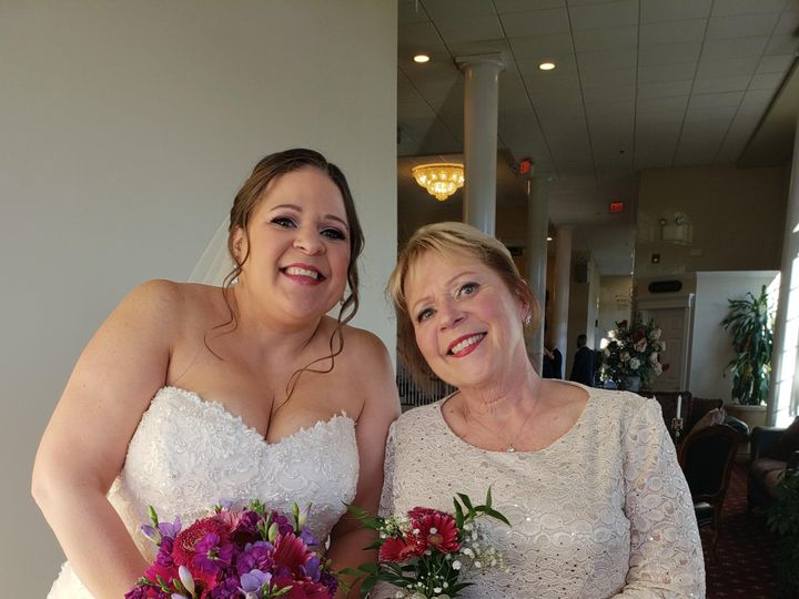 Tmx 20181103 163441 51 53475 157428692561604 Gilbertsville, PA wedding florist