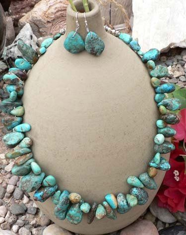 Show your natural taste and elegance with this classy set of beautifully rough and chunky turquoise...