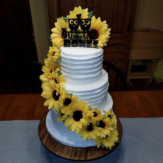3 tier round cake