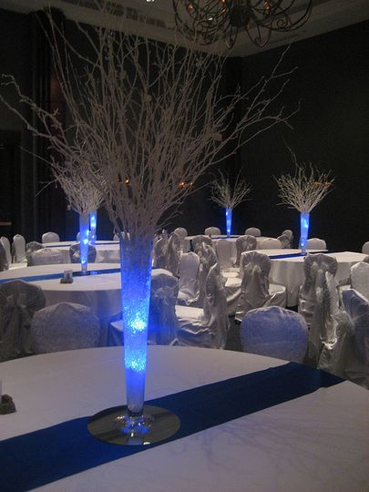 Illuminated centerpieces